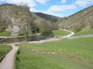 England / The Peak District / Dovedale, Thorpe Cloud & Bunster Hill