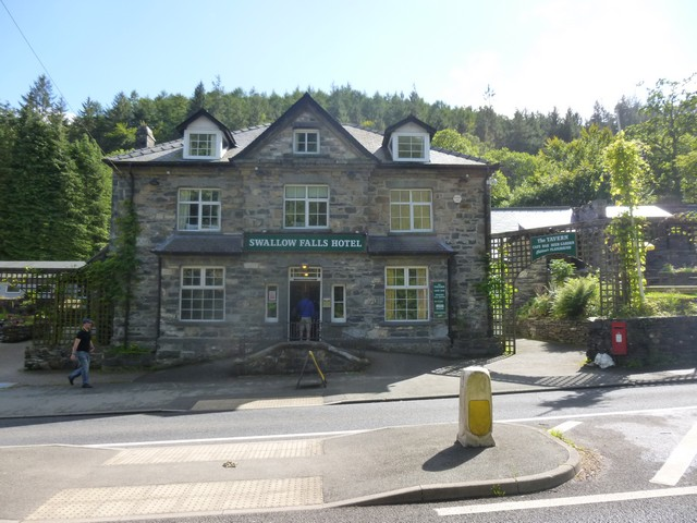 betws y coed singles & personals Betws-y-coed is a small village and community in north wales with a lovely name dating back to the 14th century, it is one of the oldest in the country.