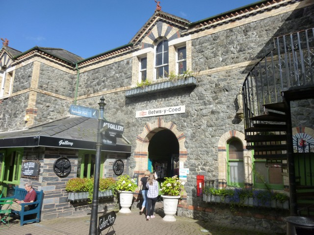 betws y coed hindu personals Betws-y-coed and clwyd dating website for single men and women in betws-y-coed and surrounding counties free to join, photos, chat rooms, interest groups and private webmail.